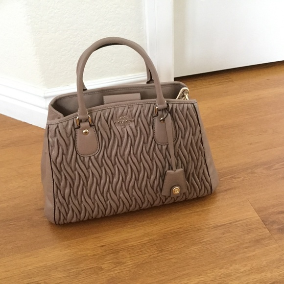 Coach Handbags - Coach leather handbag